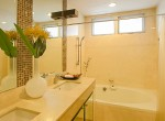 Spacious-Three-Bedroom-Condo-for-Rent-in-Asoke-16-bathroom
