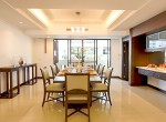 Spacious-Three-Bedroom-Condo-for-Rent-in-Asoke-5-dining-area
