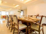 Spacious-Three-Bedroom-Condo-for-Rent-in-Asoke-6-dining-area