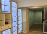 Spacious-three-bedroom-townhouse-for-sale-and-for-rent-in-ThongLor-2