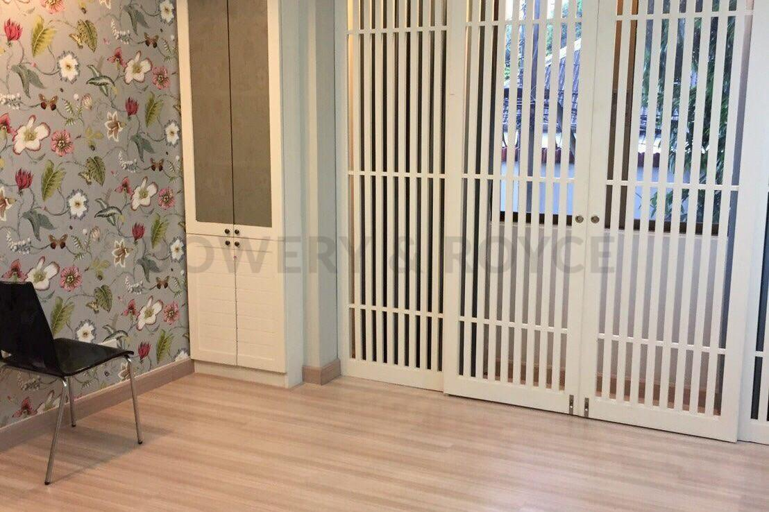 Spacious-three-bedroom-townhouse-for-sale-and-for-rent-in-ThongLor-5