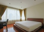 Spacious-two-bedroom-condo-for-rent-in-PhromPhong-8
