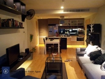 Stylish-Two-Bedroom-Condo-for-Rent-in-Ekkamai-3-1024x768