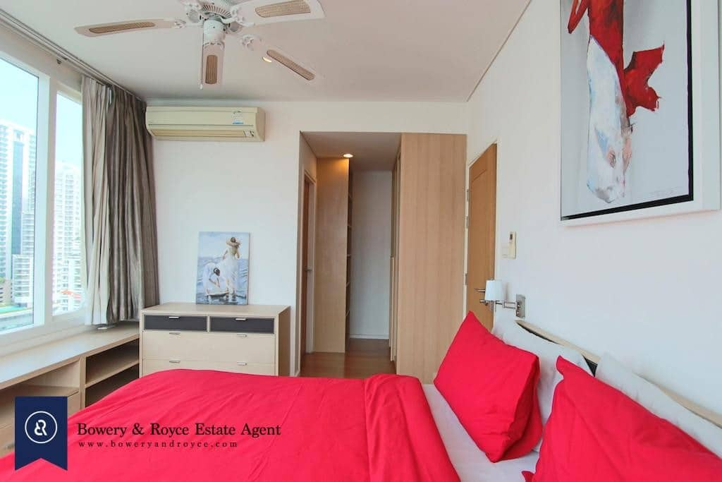 Well-Loved One Bedroom Condo for Rent in Asoke