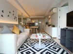 beautiful-two-bedroom-condo-for-rent-in-Ekkamai-1