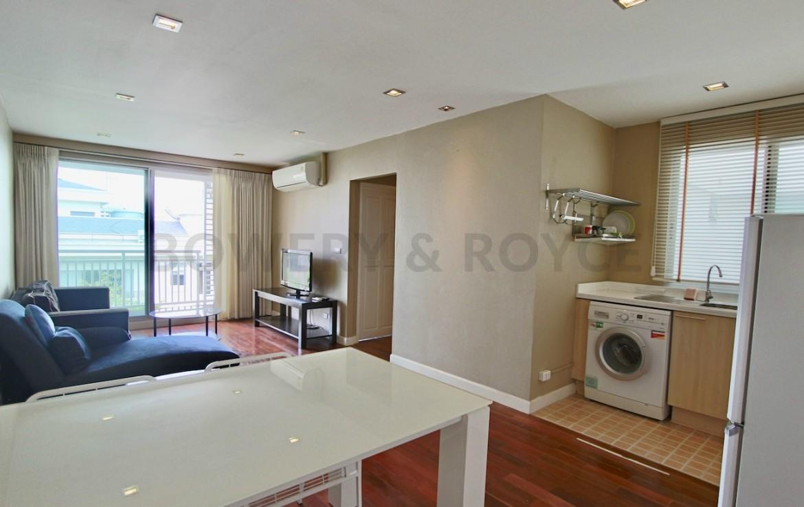 Chic One Bedroom Condo for Rent in Thong Lor