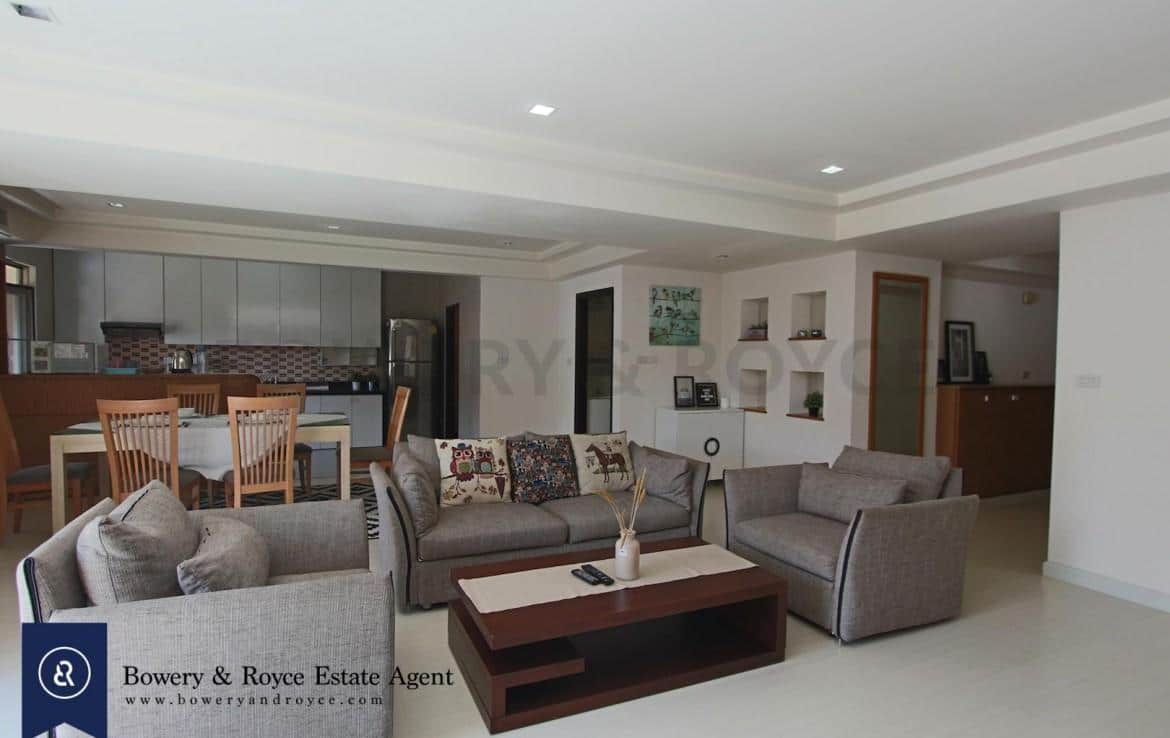 cozy-three-bedroom-condo-for-rent-in-phromphong-1