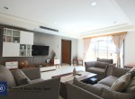 cozy-three-bedroom-condo-for-rent-in-phromphong-3