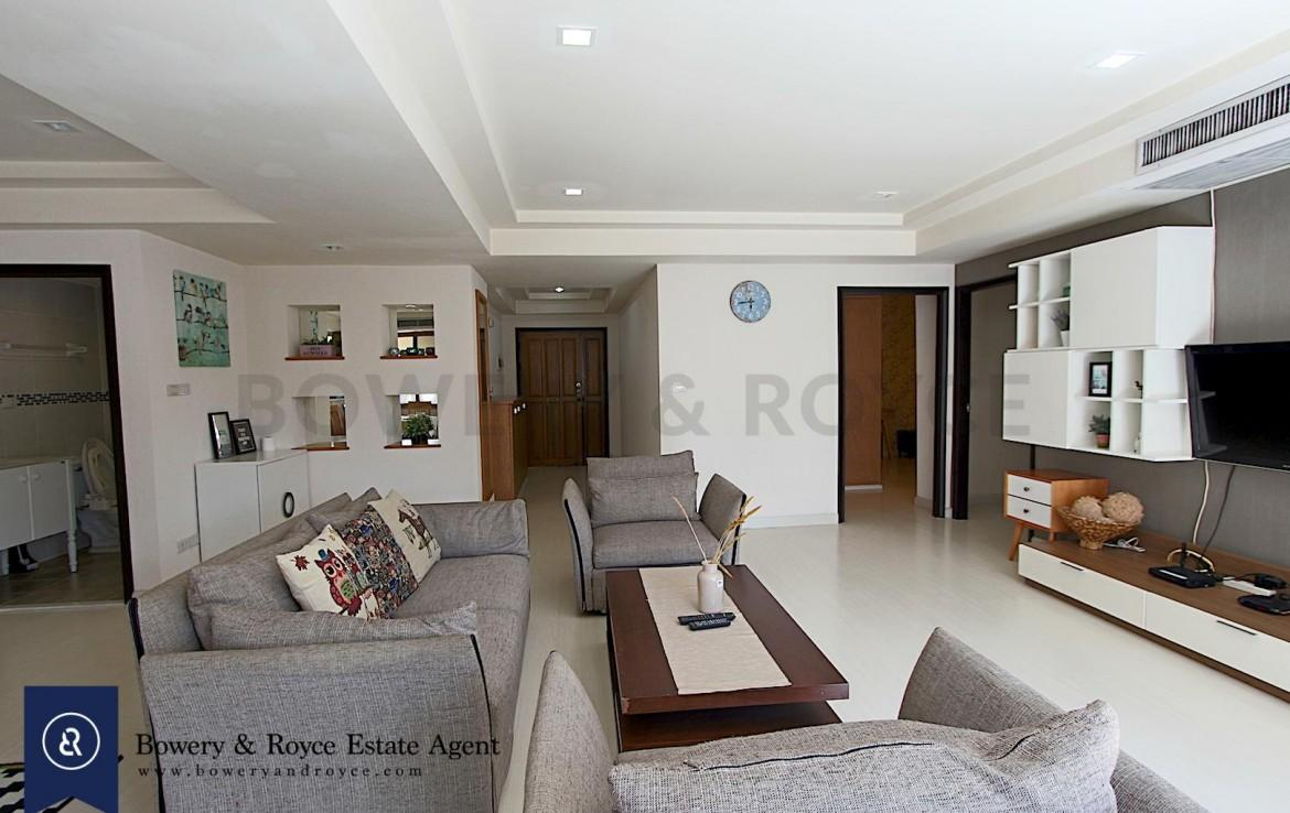 cozy-three-bedroom-condo-for-rent-in-phromphong-5