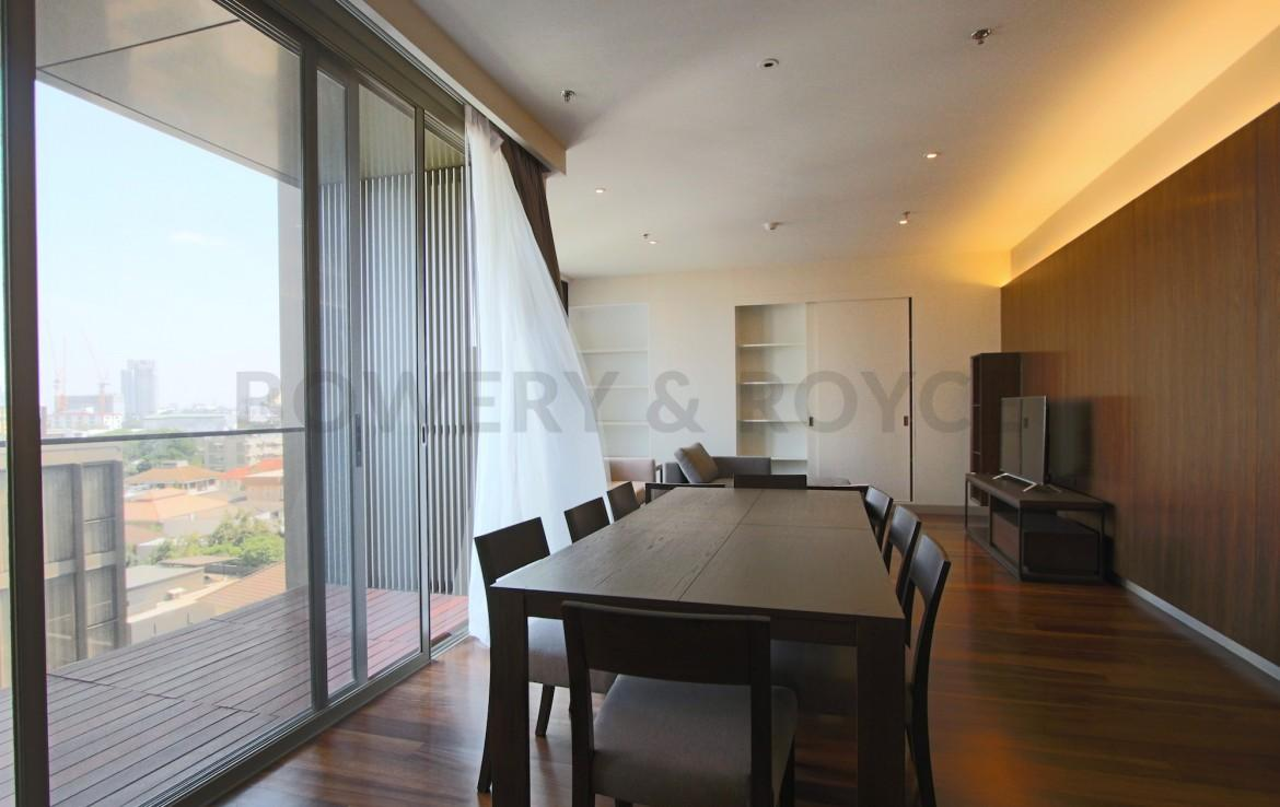 exclusive-three-bedroom-condo-for-rent-in-phromphong-2
