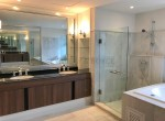 expansive-four-bedroom-condo-for-rent-in-phrom-phong-11