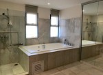 expansive-four-bedroom-condo-for-rent-in-phrom-phong-15