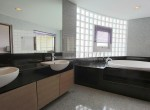 large-three-bedroom-plus-maid-condo-for-rent-in-Phra-Khanong-10