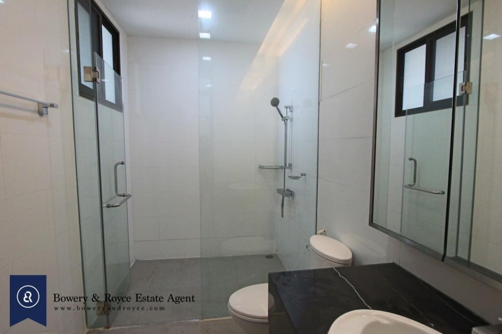 large-two-bedroom-apartment-for-rent-in-Ekkamai-8-1024x682