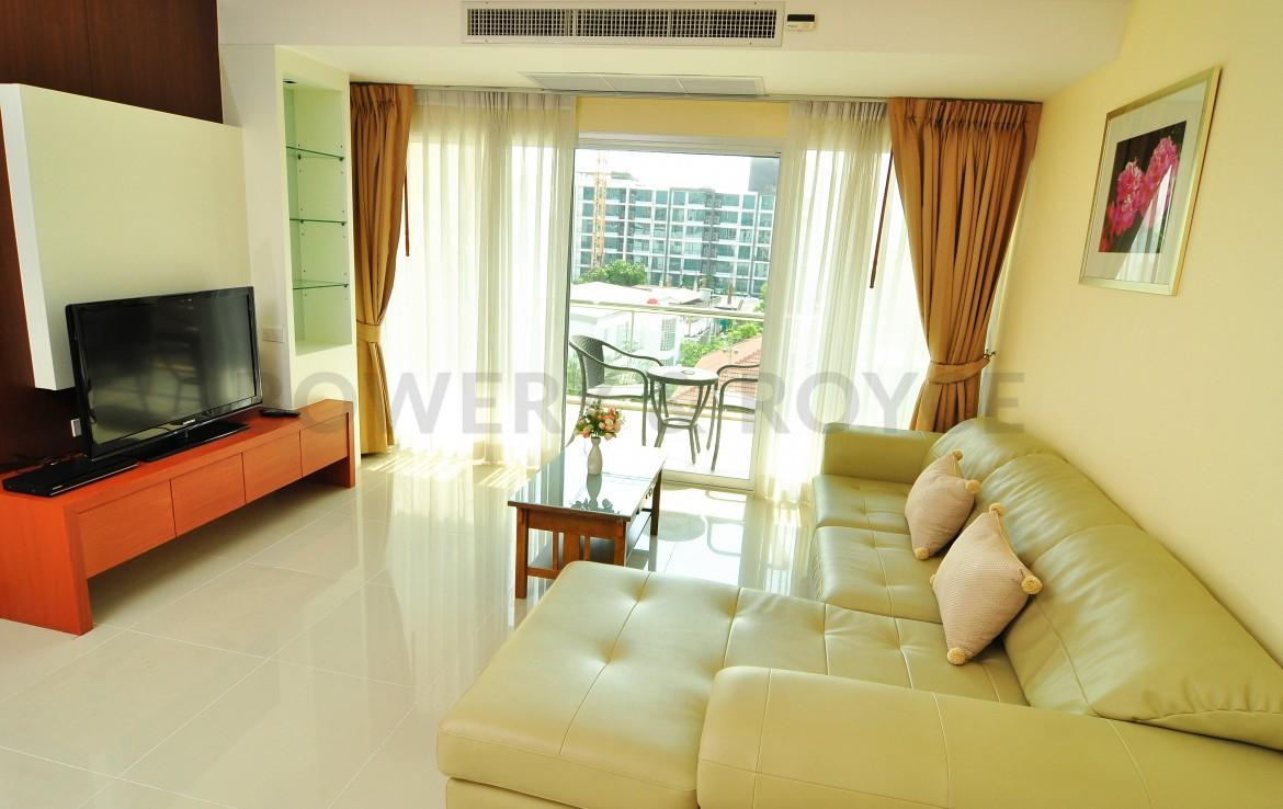Large Two Bedroom Apartment for Rent in Ekkamai