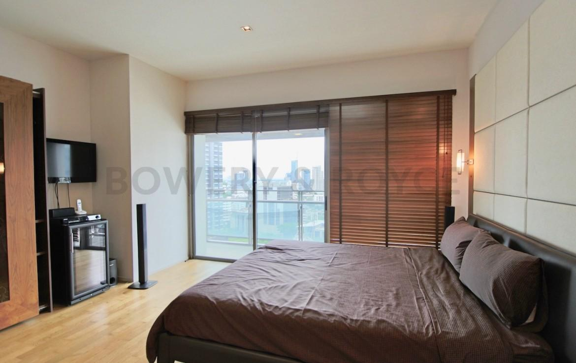 Large Two Bedroom Plus Maid Quarter Condo for Rent in Phrom Phong