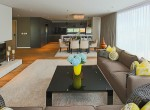 luxurious-two-bedroom-condo-for-rent-in-ekkamai-2