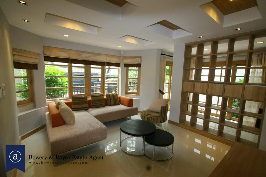 modern-detached-house-four-bedroom-for-rent-in-phromphong-1