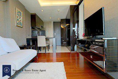 modern-luxury-one-bedroom-condo-for-rent-in-ekkamai-1