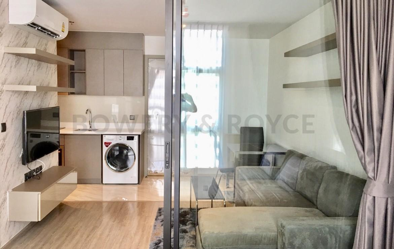 Modern One Bedroom condo for Rent in Ekkamai
