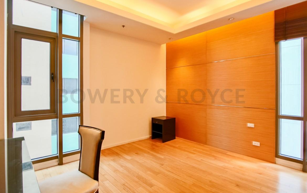 Modern Three Bedroom Plus Maid Quarter Condo for Rent in Thong Lor