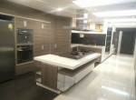 spacious-one-bedroom-condo-for-rent-in-Asok-4