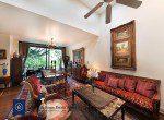 Bargain-Five-Bedroom-Townhouse-for-Sale-in-Ekkamai-1