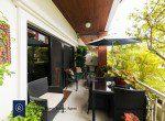Bargain-Five-Bedroom-Townhouse-for-Sale-in-Ekkamai-13