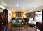 Bargain-Five-Bedroom-Townhouse-for-Sale-in-Ekkamai-18