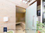Bargain-Five-Bedroom-Townhouse-for-Sale-in-Ekkamai-9