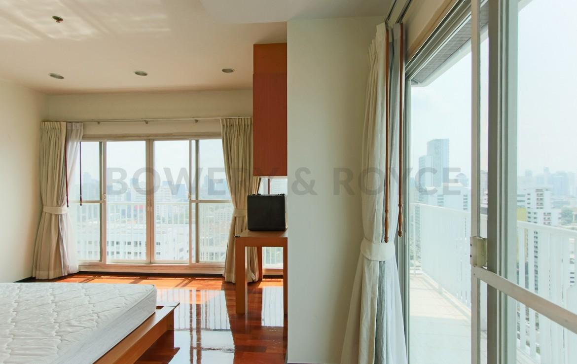 Large Two Bedroom Condo for Rent in Thong Lor