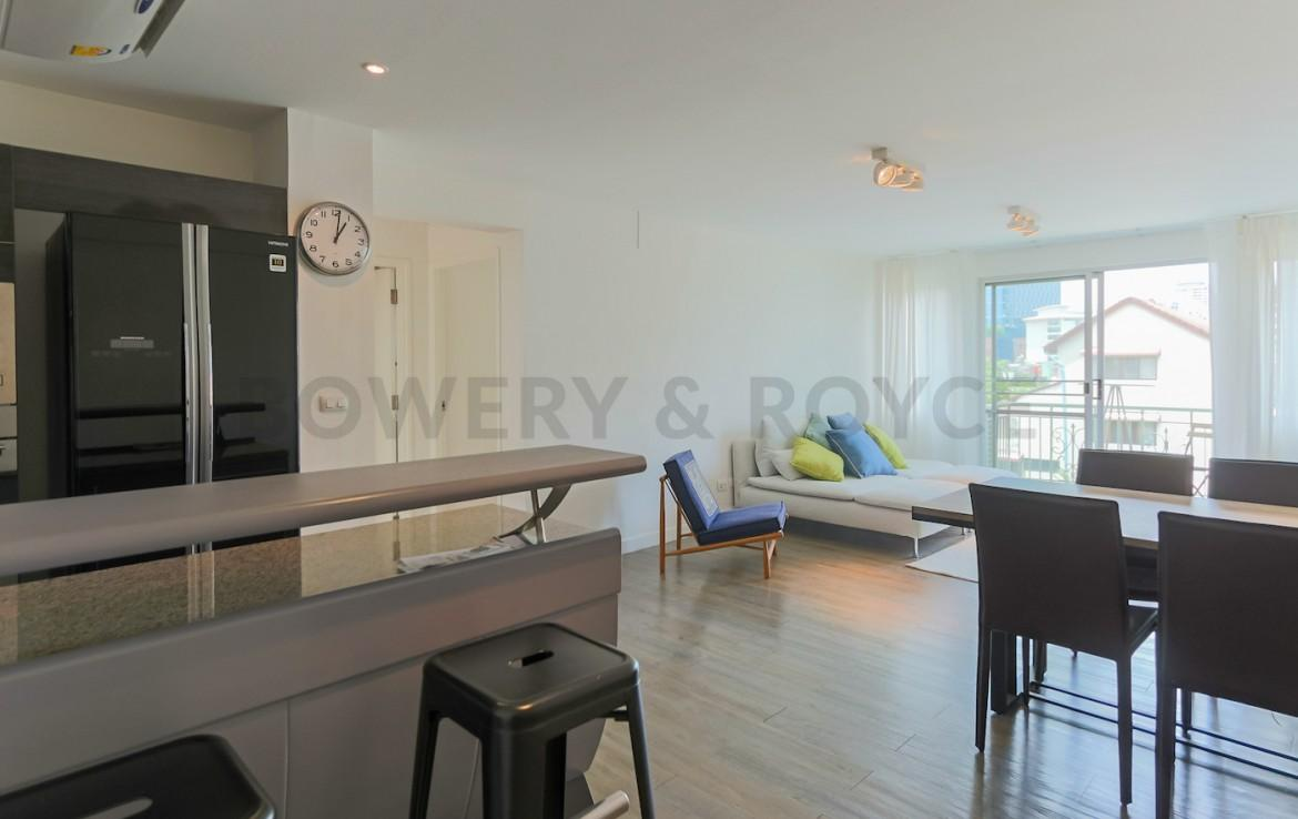 Bright & Light Two Bedroom Condo for Rent in Thong Lor