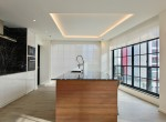 expansive-three-bedroom-condo-for-sale-in-ekkamai-28