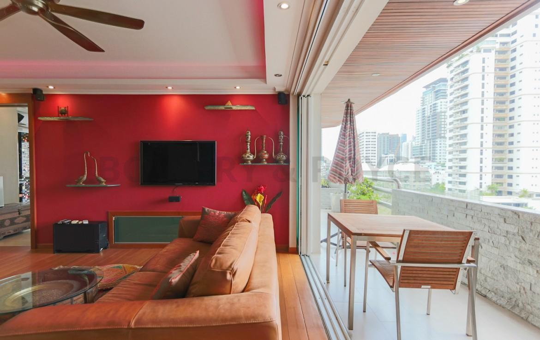Unique Design One Bedroom Plus Study Condo in Phrom Phong