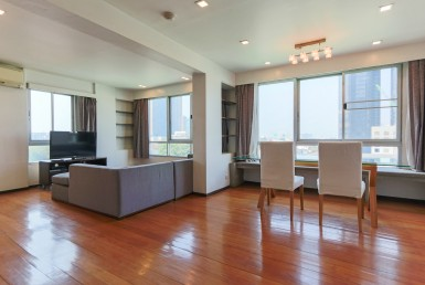 Spacious One Bedroom Condo for Rent and for Sale in Thong Lor
