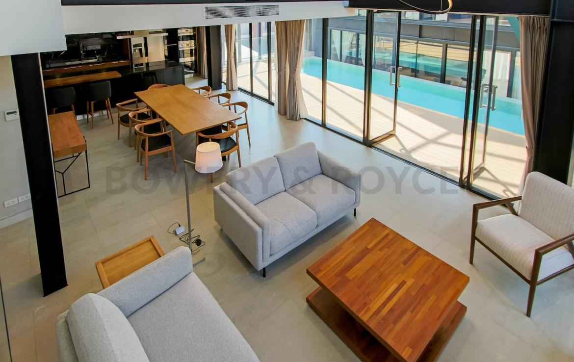 Art & Crafs Two Bedroom with Private Pool for Rent in Ekkamai