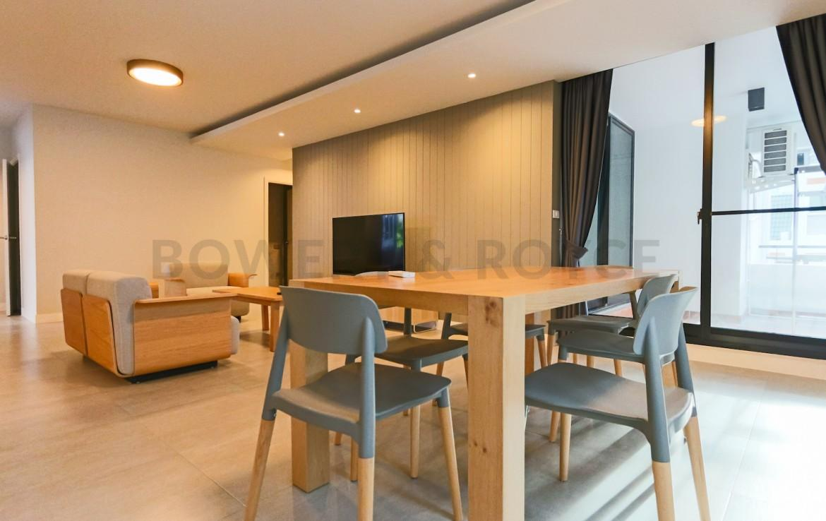 Beautiful three bedroom condo for rent in Phrom Phong - Living room