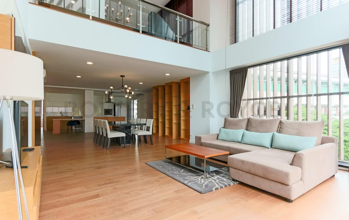 Stunning three bedroom duplex for rent in thonglor