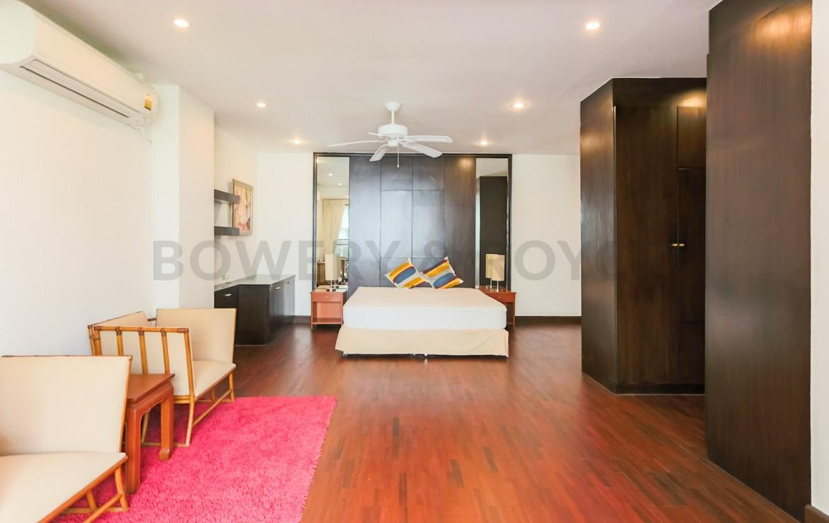 Residential Four Bedroom Duplex Apartment for Rent in Phrom Phong-13