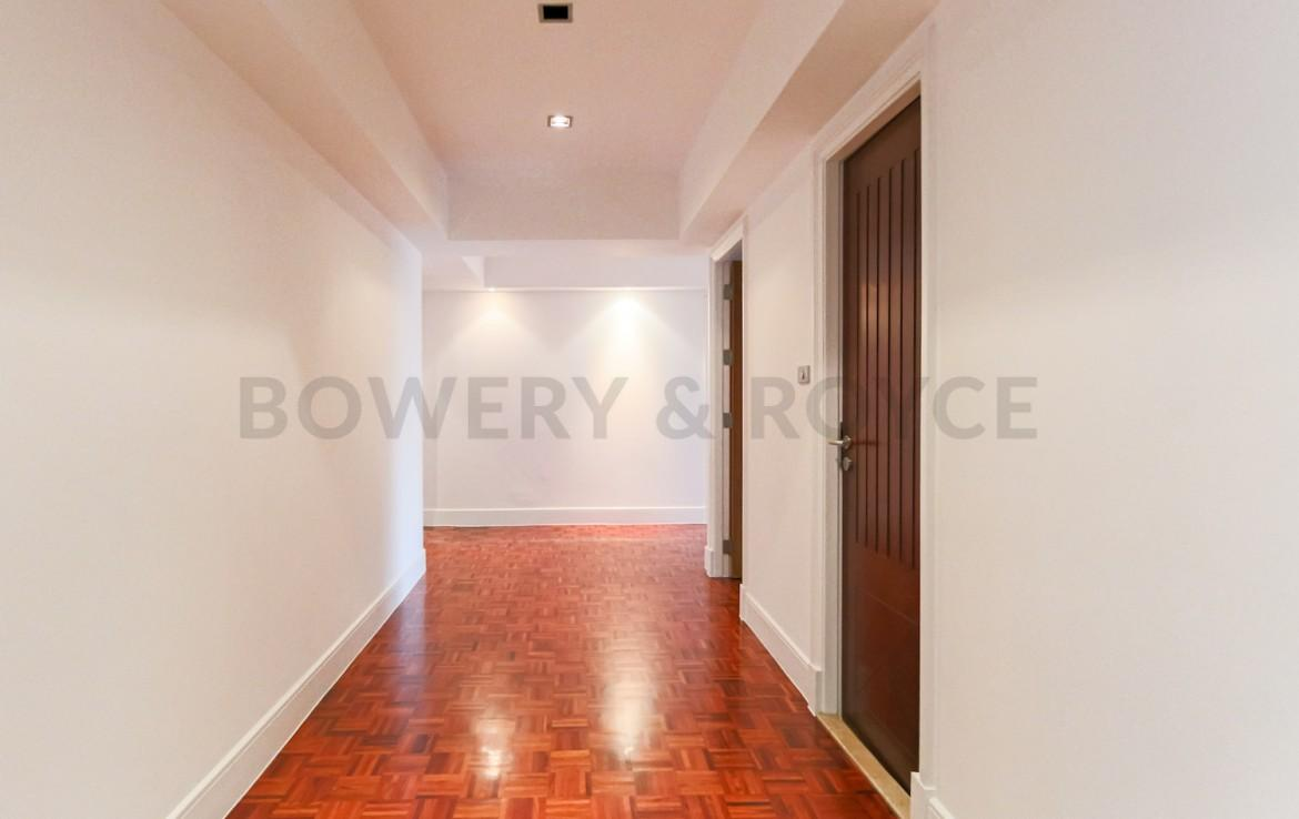 Large Three Bedroom Apartment for Rent in Phrom Phong-12