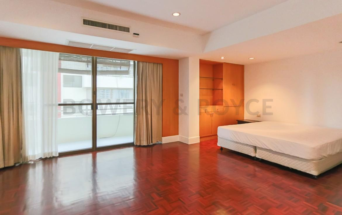 Large Three Bedroom Apartment for Rent in Phrom Phong-18
