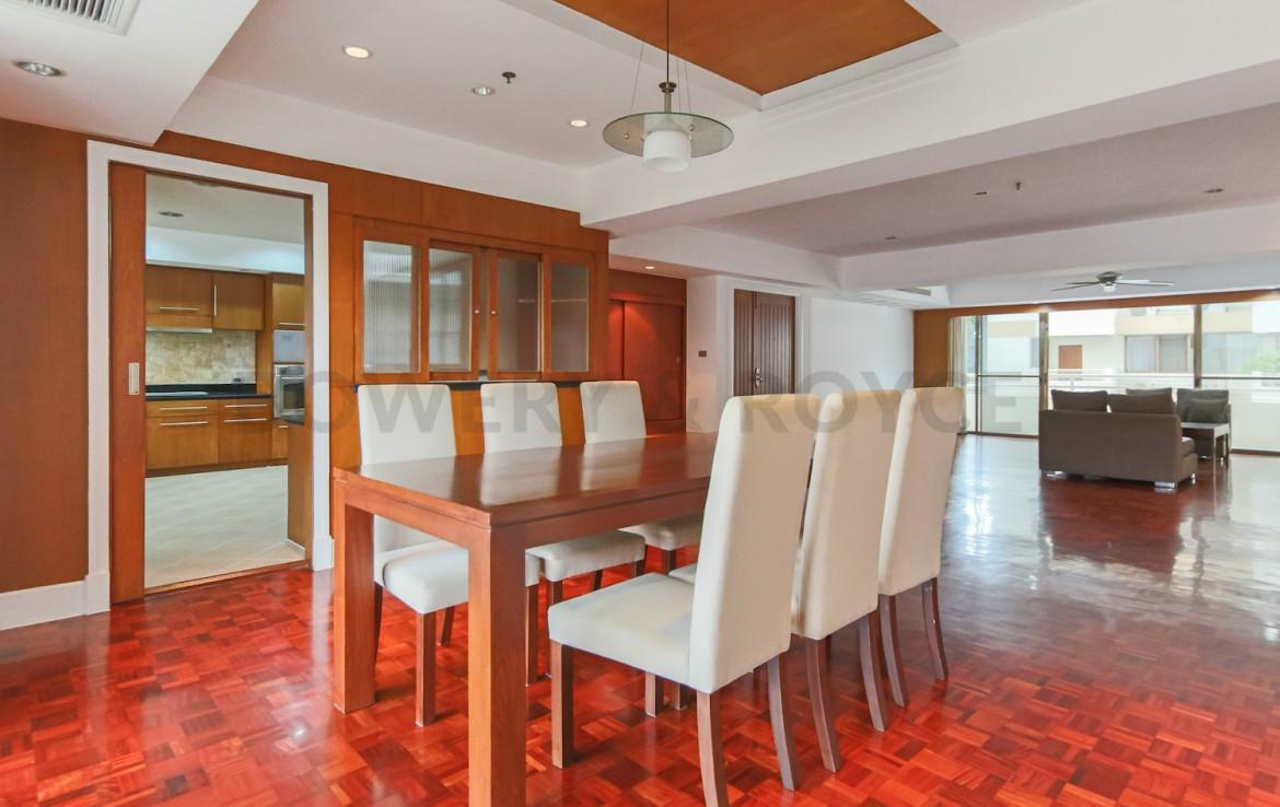 Large Three Bedroom Apartment for Rent in Phrom Phong-7