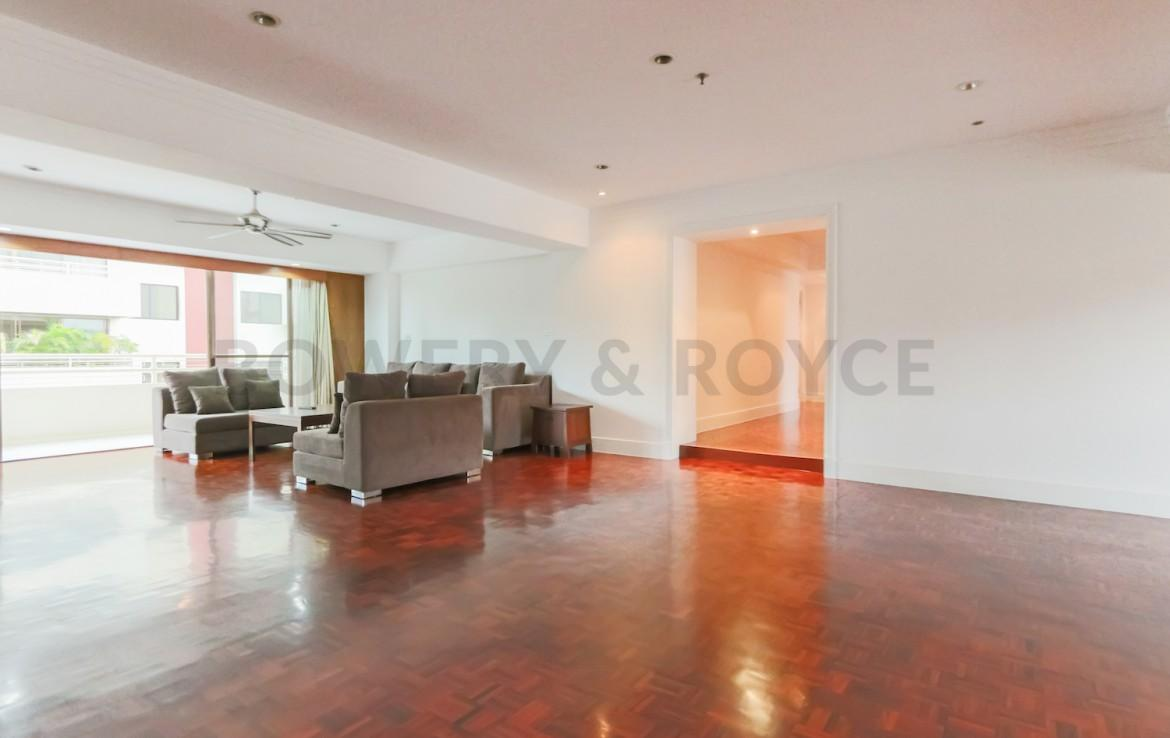 Large Three Bedroom Apartment for Rent in Phrom Phong-8