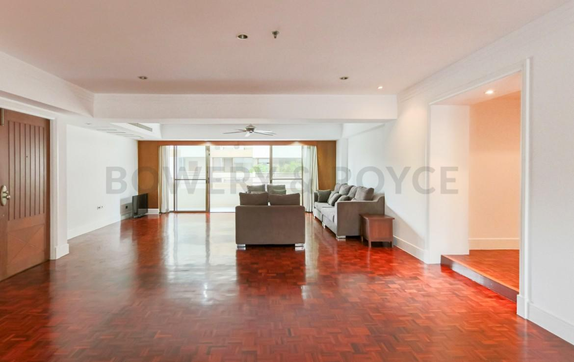 Large Three Bedroom Apartment for Rent in Phrom Phong-9