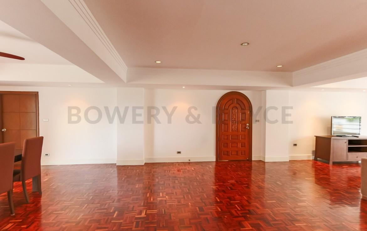 Spacious Four Bedroom Apartment for Rent in Phrom Phong-10