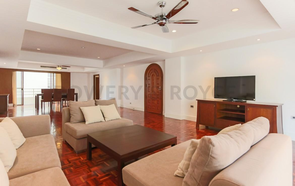 Spacious Four Bedroom Apartment for Rent in Phrom Phong-4