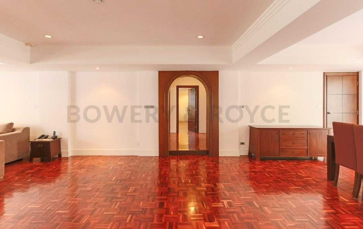 Spacious Four Bedroom Apartment for Rent in Phrom Phong-5