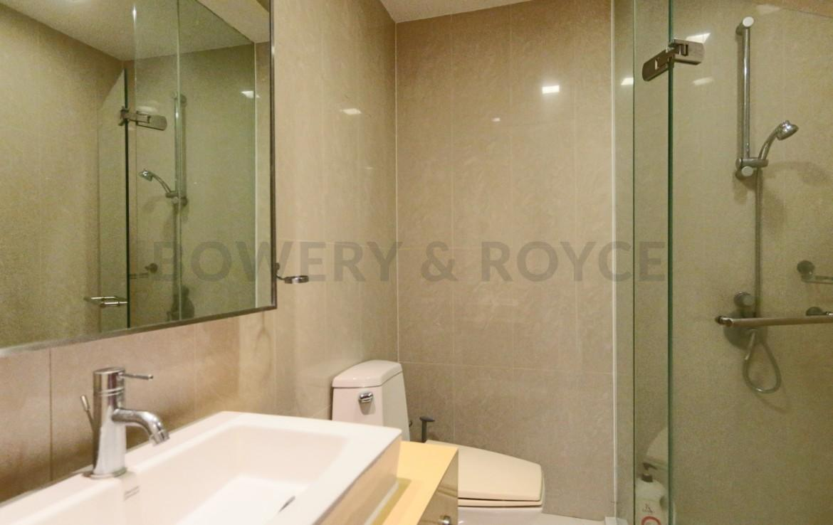 Spacious Two Bedroom Condo for Rent in Phra Khanong-
