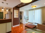 bright-and-light-one-bedroom-condo-for-rent-in-phromphong-12