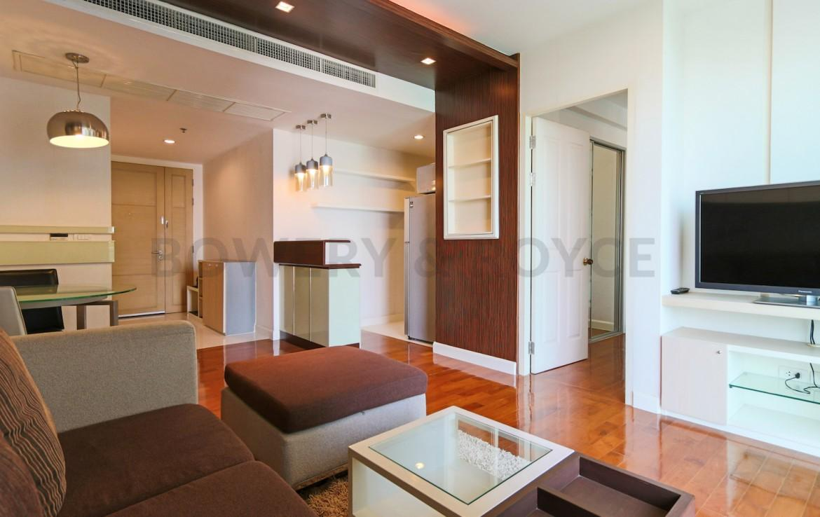 Bright & Light One Bedroom Condo for Rent in Phrom Phong
